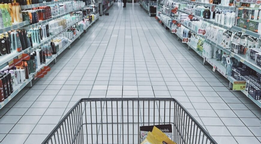 What chain stores need to know about COVID-19-cleaning when the store is exposed to someone with COVID-19